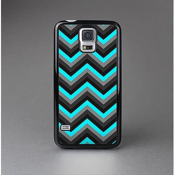 The Turquoise-Black-Gray Chevron Pattern Skin-Sert Case for the Samsung Galaxy S5