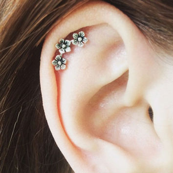 Gorgeous Pure Sterling Silver cartilage earring, cartilage stud flowers-20 gauge