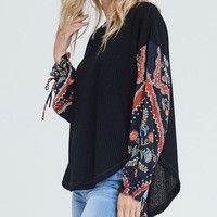 the way you move - waffle knit top with contrasting sleeves - black