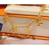 Louis Vuitton Small Flower Gold Plated Bracelet Four-corner Flower Presbyopia Accessories Hand Accessories Small Fresh Girl Jewelry