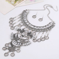 Queen Pattern Coin Necklace and Earrings