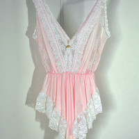 vintage 70s 80s PINK white sheer lace FLUTTERY lingerie VALENTINES honeymoon teddy medium