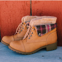 Nebraska Plaid Boots - Natural