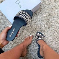 Dior CD Shoes Fashion Ladies Sandals Woven Embroidered Flat Slippers