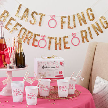 Last Fling Before The Ring Decoration Kit
