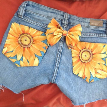 Jean Shorts, with Sunflowers. Hipster Teen Fashion. Size kids 12 or 00. Beachy trendy style fashion girls teen tween women flowers floral