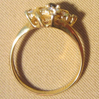 Vintage 80's Sapphire & Crystal Gold Ladies Cocktail Ring - Costume Jewelry.