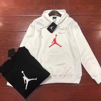 Jordan sells casual cotton printed hooded hoodies for couples