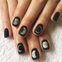 24Pcs Simple Short Fake Nails Black Moon Eclipse Square Artificial Nail Tips with Glue Sticker Faux Ongle for Office Home Party