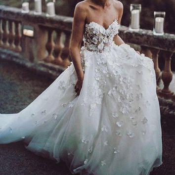 New Style Long Wedding Dress 2019 Sweetheart Neck Court Train Appliques Tulle A-Line Wedding Gowns Robe de mariee