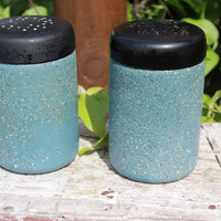 Vintage West Bend country blue textured salt and pepper shakers, Mid century kitchen salt and pepper shakers, vintage kitchen shakers RETRO