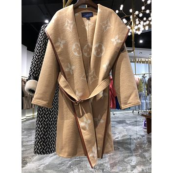 LV Top New 2020 women winter down coat fashion waist-controlled Hooded Fur Collar Warm Women winter Jacket woolen overcoat