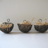 Bird's nest placecard holder, shabby chic, Rustic,  Wire  Wedding Photo Holder,Table number