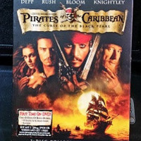 Pirates of the Caribbean: The Curse of the Black Pearl (Two-Disc Collector's Edition) Used DVD's
