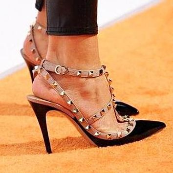 Valentino Classic Hot Sale Women Rivet Pointed Sandals Shoes High Heels Black
