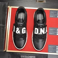 DG   Man Fashion Casual Shoes Men Fashion Boots fashionable Casual leather Breathable Sneakers Running Shoes Sneakers