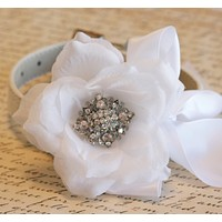 White Floral dog collar Wedding accessory, white flower with rhinestone