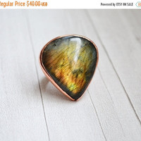 Large Ring Copper Labradorite Stone Boho Ring Unique Ring Statement Ring Copper Sheet Embossed Not Heavy Blue Green Universal Ring valentin