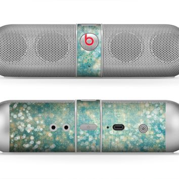 The Unfocused Green & White Drop Surface Skin for the Beats by Dre Pill Bluetooth Speaker