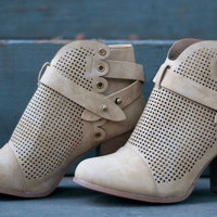 Close Out | Mesh Booties | Tan | Shoes