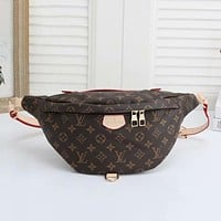 Louis Vuitton LV classic zipper large-capacity belt bag fashion men and women shoulder messenger bag