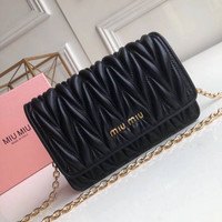 MIU MIU WOMEN'S LEATHER INCLINED CHAIN SHOULDER BAG