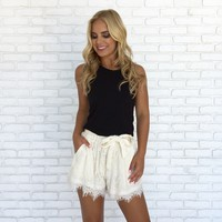 Love Of Lace Shorts In Ivory