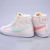 NIKE BLAZER MID SUEDE shoes are popular with casual couples