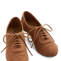 Menswear Inspired Carefree Choreography Flat in Cognac