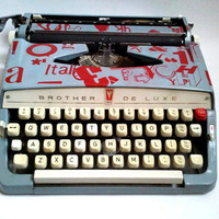Vintage Typewriter with Typography Design by Ouiouijesuis on Etsy