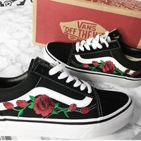 Vans Old School Classics Old Skool Rose Embroidery Black Sneaker Black