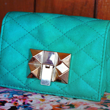 Vintage Kelly Green Faux Leather Clutch // Gold Geometric Stud Clasp // Bohemian Floral Pockets // Women's Clutch Wallet