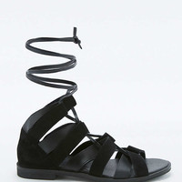 Bessie Strappy Black Sandals - Urban Outfitters