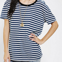 Urban Outfitters - Truly Madly Deeply Chloe Boyfriend Tee
