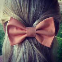 Peach hair bow FOLLOW MEE