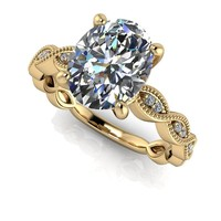 Oval Russian Brilliants Decorative Diamond Solitaire - 14 kt Gold Oval Engagement Ring