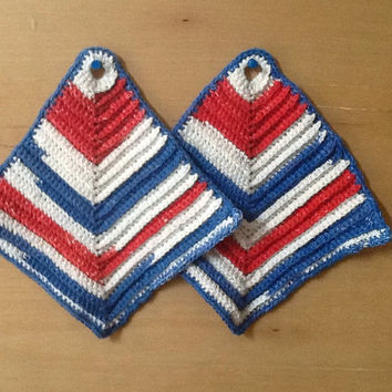 crochet hotpad or potholder in red, white and blue cotton, patriotic colors, thick vintage design, ribbed striped pattern, 4th of July