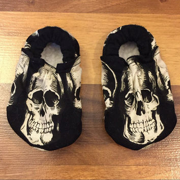 Skull booties. Skull Moccs, Skull Moccasins, Skull Soft Sole Shoe, Baby shower gift, Unisex Booties, Unisex Moccs, Edgy Moccs, Edgy Booties