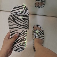 Ladies personality black and white pattern fashion rhinestone flat sandals and slippers