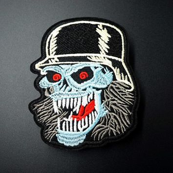 GOLD TOOTH IRON ON PATCH: SKULL FACE NOVELTY FANCY DRESS SEW ON a