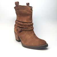 Dingo Suede Ankle Boot
