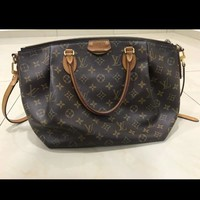 Great DealAuthentic LV Turenne MM