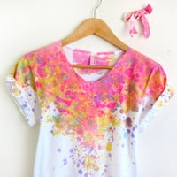 Splash Dyed Hand PAINTED Scoop Neck Pinned Rolled Cuffs Tee and Bow Pin in White Spectrum Acid Pink