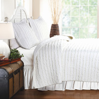 King Size 3-Piece Quilt Set with 2 Pillow Shams 100-percent Cotton White Ruffles