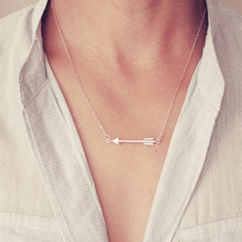 New trendy necklace Silver Arrow Necklace For Women Charm Chain Necklace Simple pendant necklace XL001