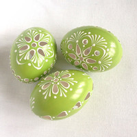 Set of 3 light Green Hand Decorated Painted Easter Egg Madeira Traditional Slavic Wax Pinhead Chicken Egg, Pysanka
