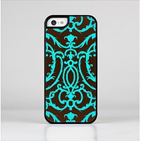 The Blue and Brown Elegant Lace Pattern Skin-Sert Case for the Apple iPhone 5c