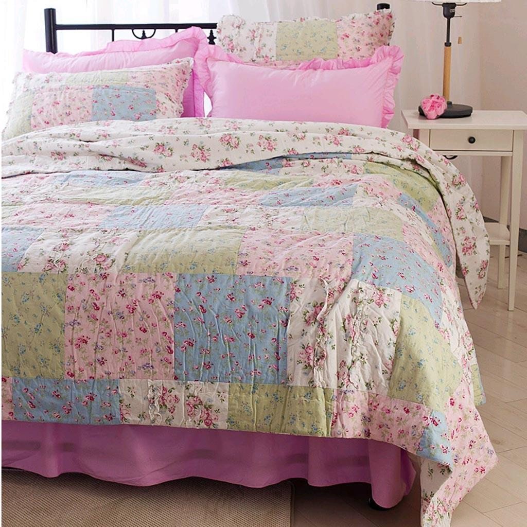 simply shabby chic ditsy patchwork quilt from lovely. Black Bedroom Furniture Sets. Home Design Ideas