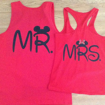 Free/Fast Shipping for US Mickey and Minnie Kissing Cuties Couples Shirts
