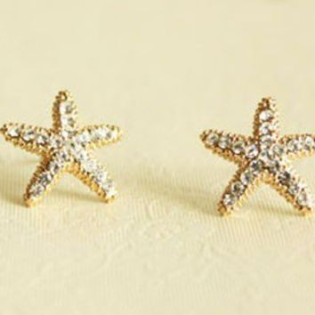 Fashion Rhinestone Starfish Golden Stud Earrings from LOOBACK FASHION STORE